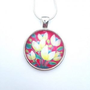 Necklace with flowers