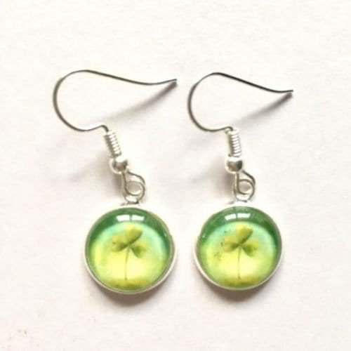 Shamrock earrings by Amélie Gagné Studio