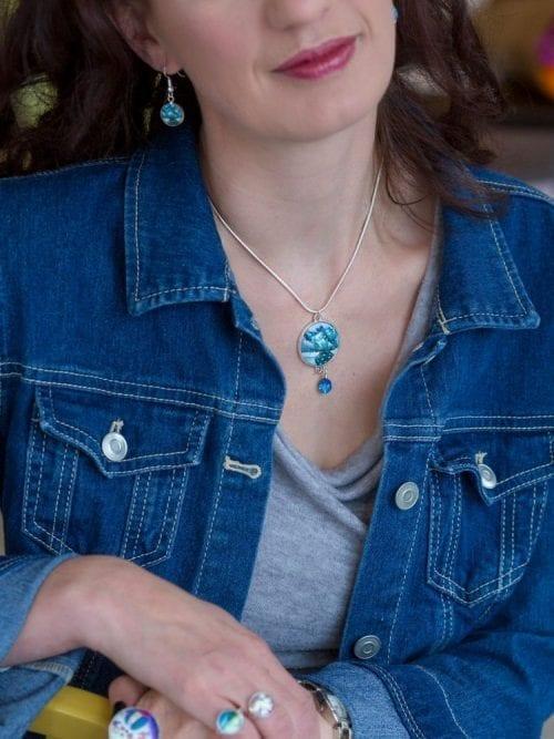 Grey and blue earrings Amélie Gagné Studio